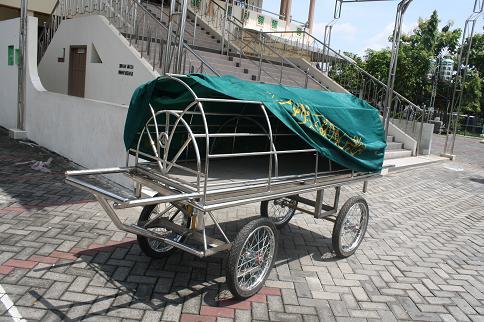 Kereta Jenazah Masjid AlIkhlas di Perum Merpati Kehutanan Pabean Sedati Sidoarjo, sumber : Distributor Keranda Mayat