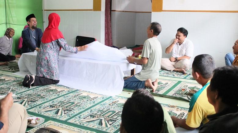 Read more about the article Tata Cara Mengkafani Jenazah yang Benar